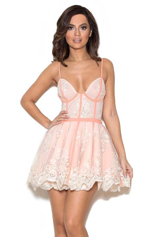 Нежные платья с доставкой