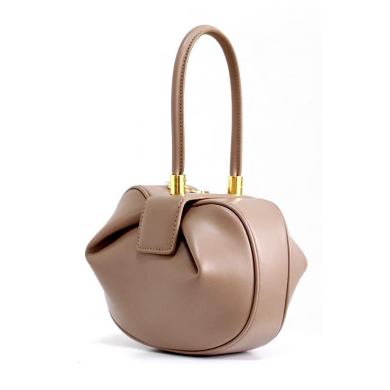 3bb137dc765b Маленькая элегантная сумка в руку 13974. Сумки на руку Другие купить ...